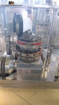 Compressora de comprimidos rotativa Riva